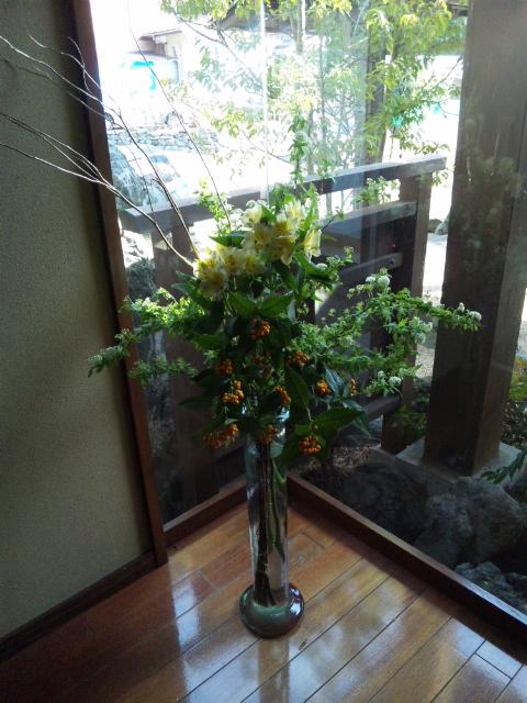 ロビーのお花♪