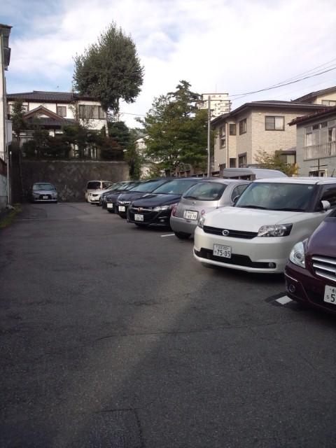佳乃や駐車場